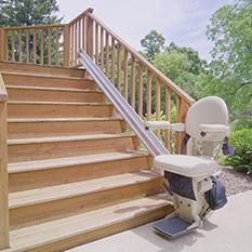 web_outdoorstairlift300
